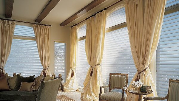 Deep Curtain Cleaning