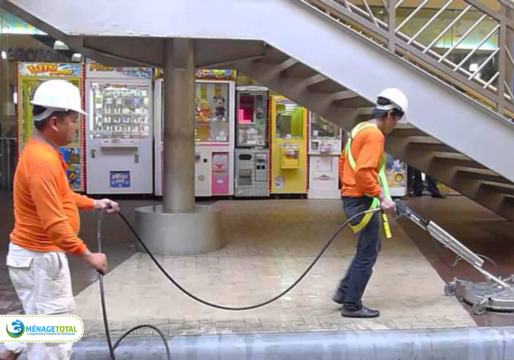 Extensive Public Areas Cleaning Services in Shopping Malls